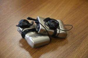 Приёмники конференц-системы использующиеся для тифлокомментирования